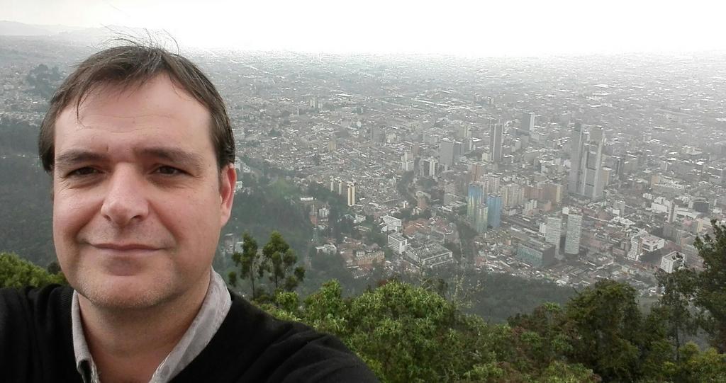 Artal viaja a Colombia